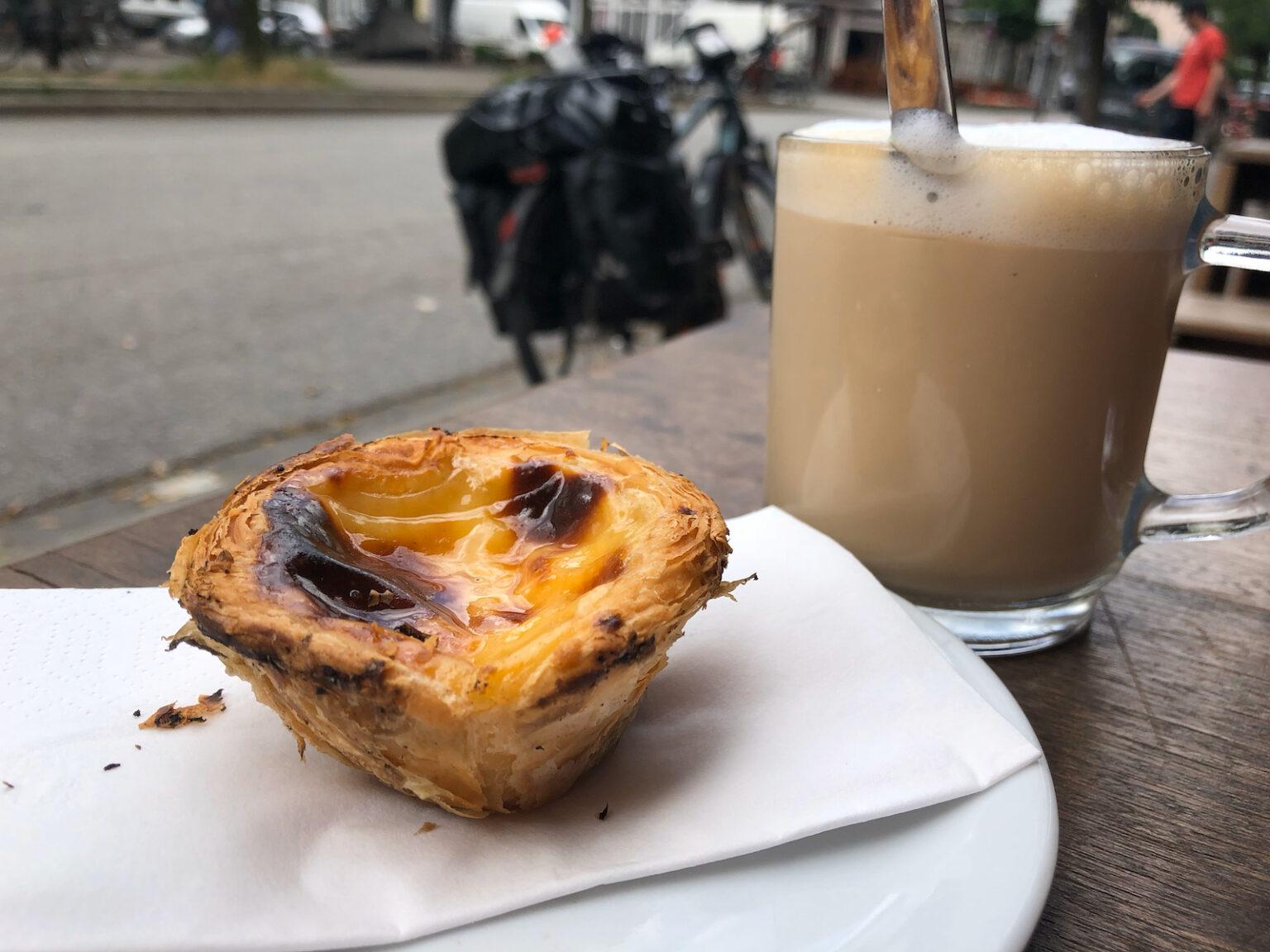 Pastel de Nata und Galão in Hamburg