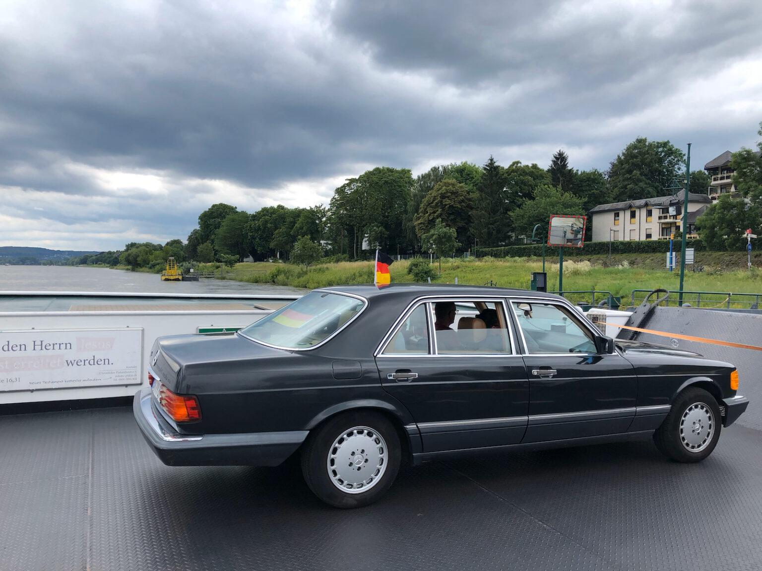 Helmut Kohl auf der Rheinfähre?